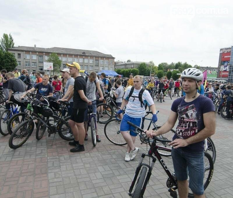 Каменское заполонили велосипедисты, фото-1