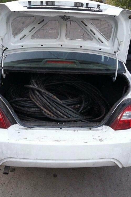 В Каменском задержали таксиста с украденным кабелем, фото-3