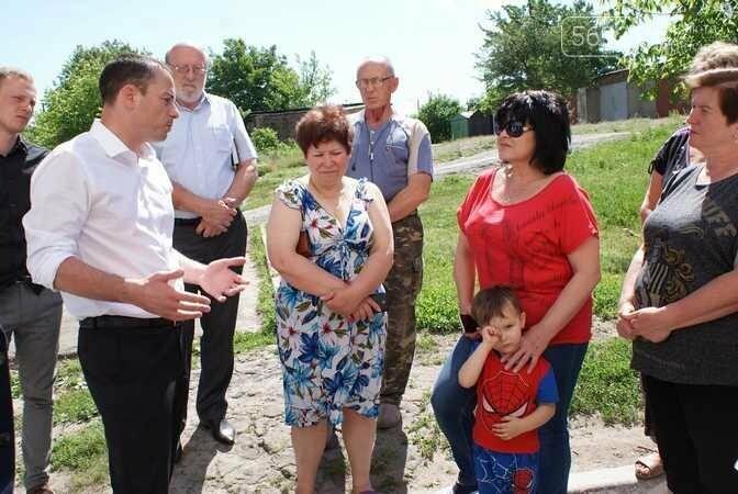 Мэр Каменского проверил ремонт жилфонда , фото-3