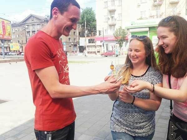 Молодые каменчане меняли сигареты на конфеты, фото-1