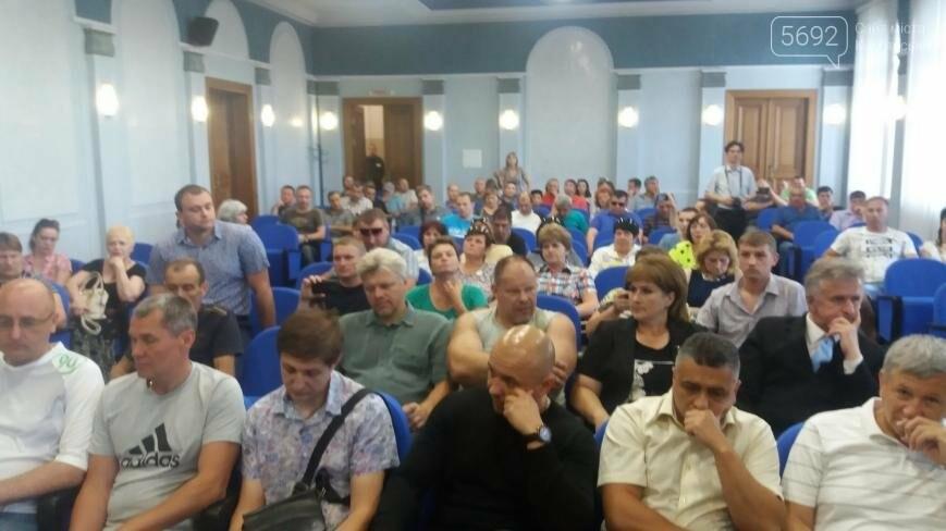 В Каменском рабочим пообещали запустить ДМК в конце июня, фото-3