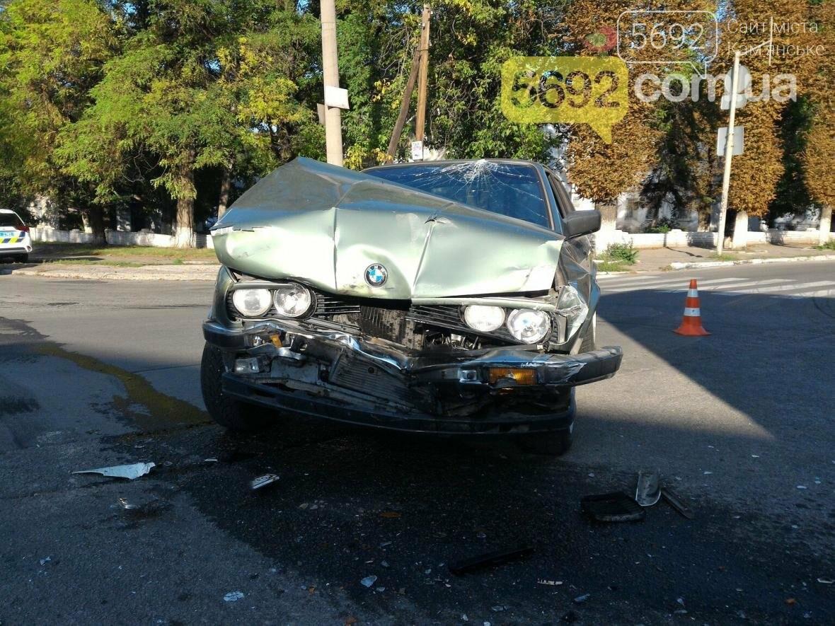 В Каменском столкнулись BMW и фура , фото-2