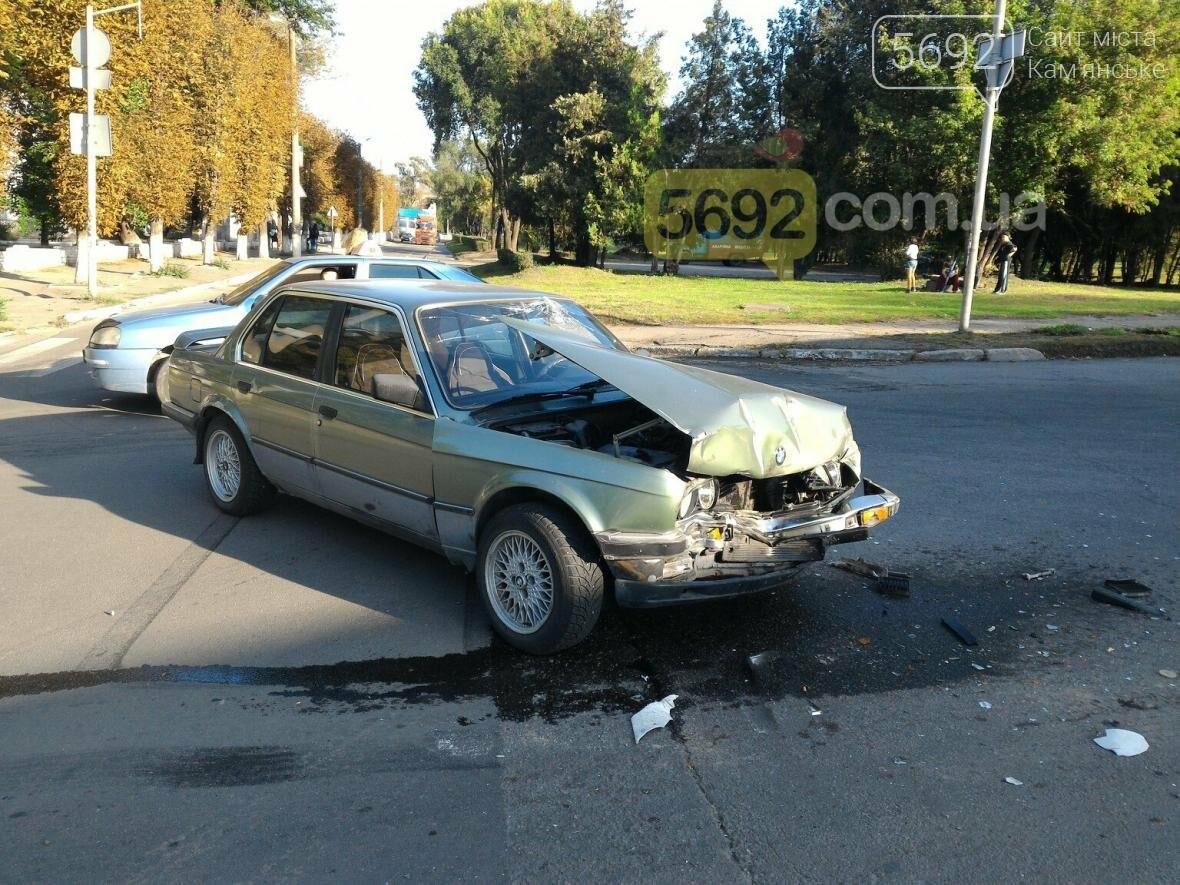 В Каменском столкнулись BMW и фура , фото-4