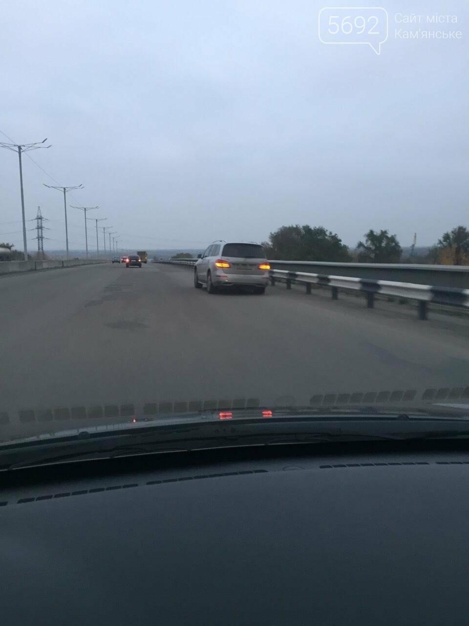 В Каменском снова разошелся шов на мостовом переходе, фото-2