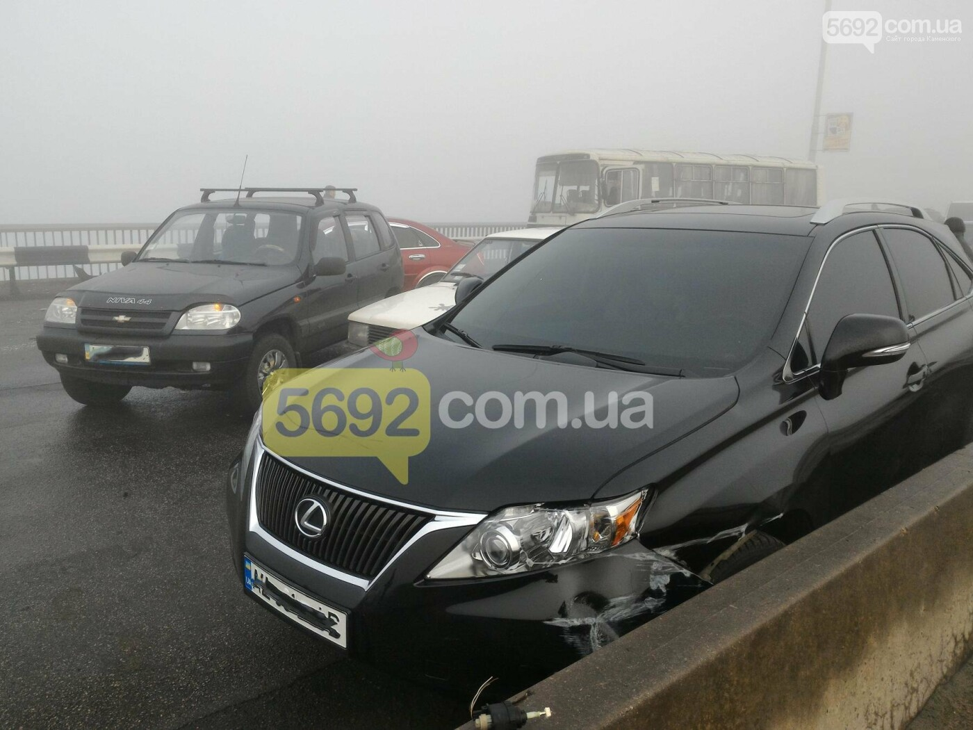 В Каменском на мосту произошло массовое ДТП, фото-3