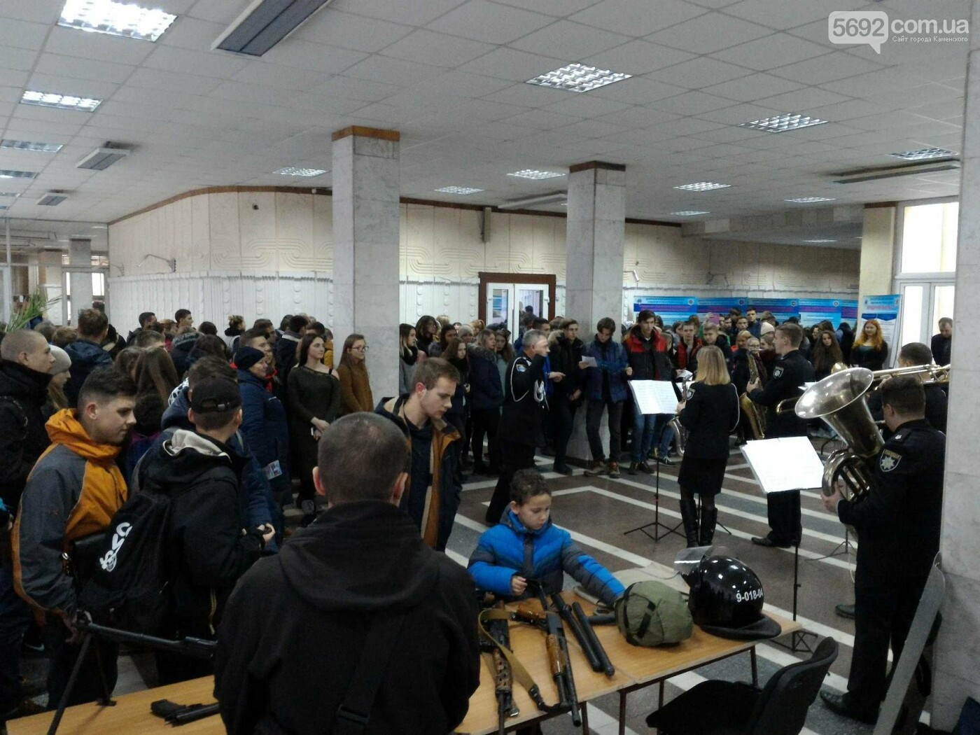 Школьников Каменского агитировали учиться на полицейских, фото-11