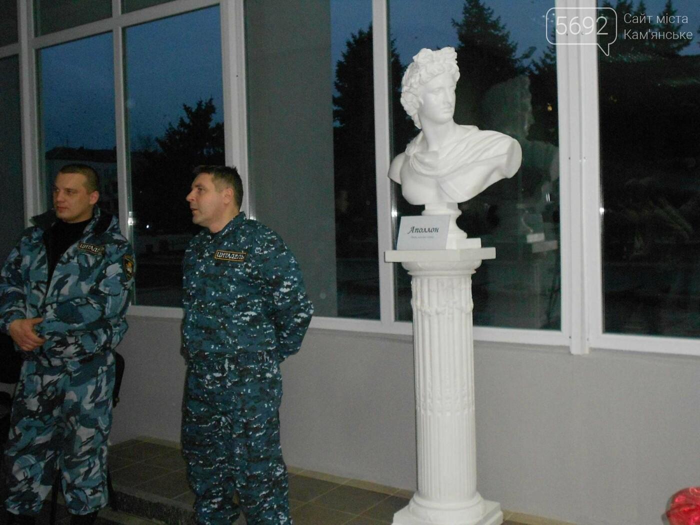 От пластилина до искусства: в Каменском открылась выставка скульптора Сергея Болдова, фото-8