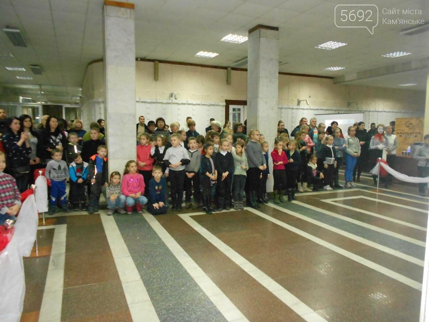 От пластилина до искусства: в Каменском открылась выставка скульптора Сергея Болдова, фото-9