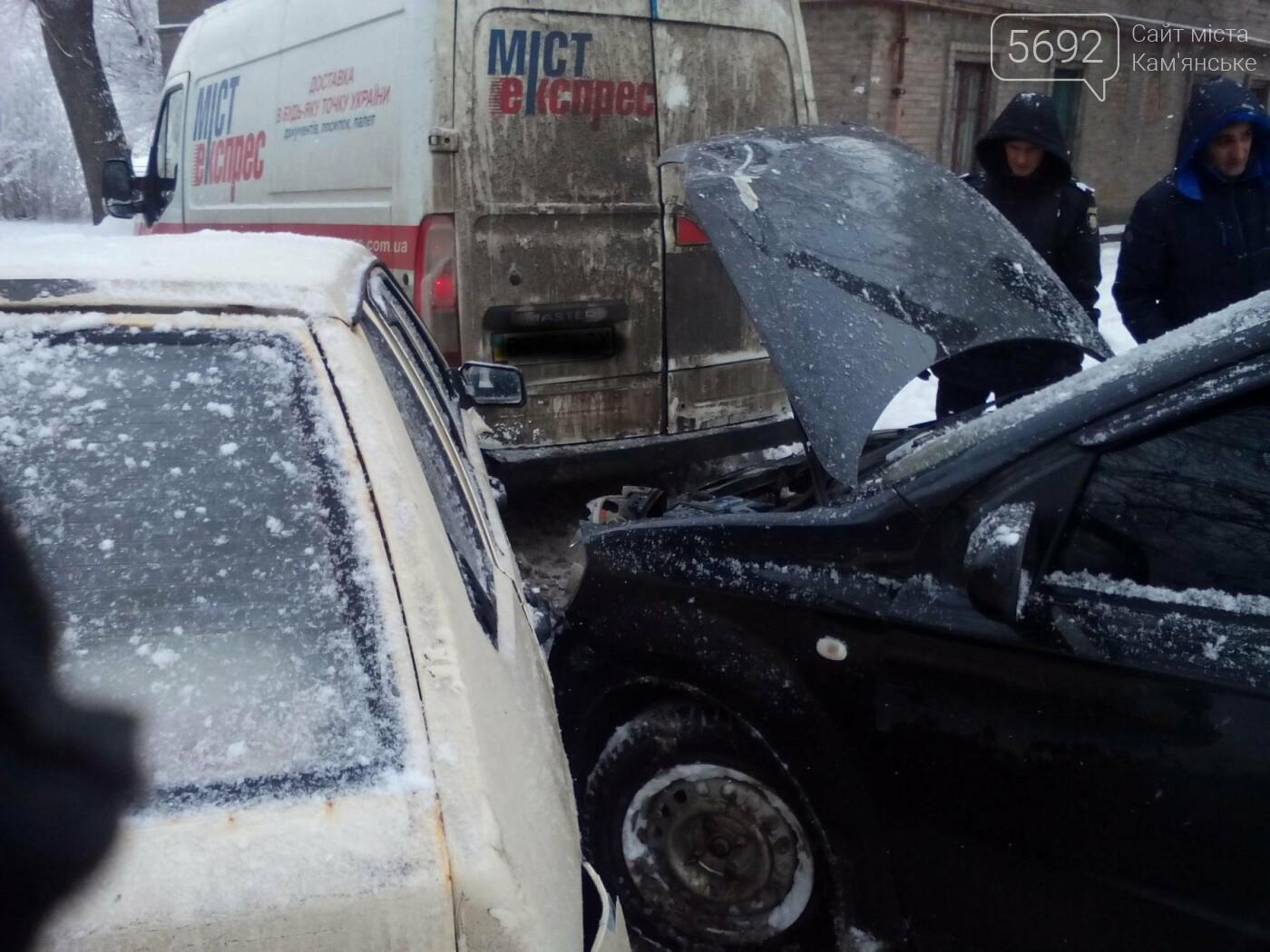 ДТП на Матросова: каменские водители жалуются на нечищеные дороги, фото-3