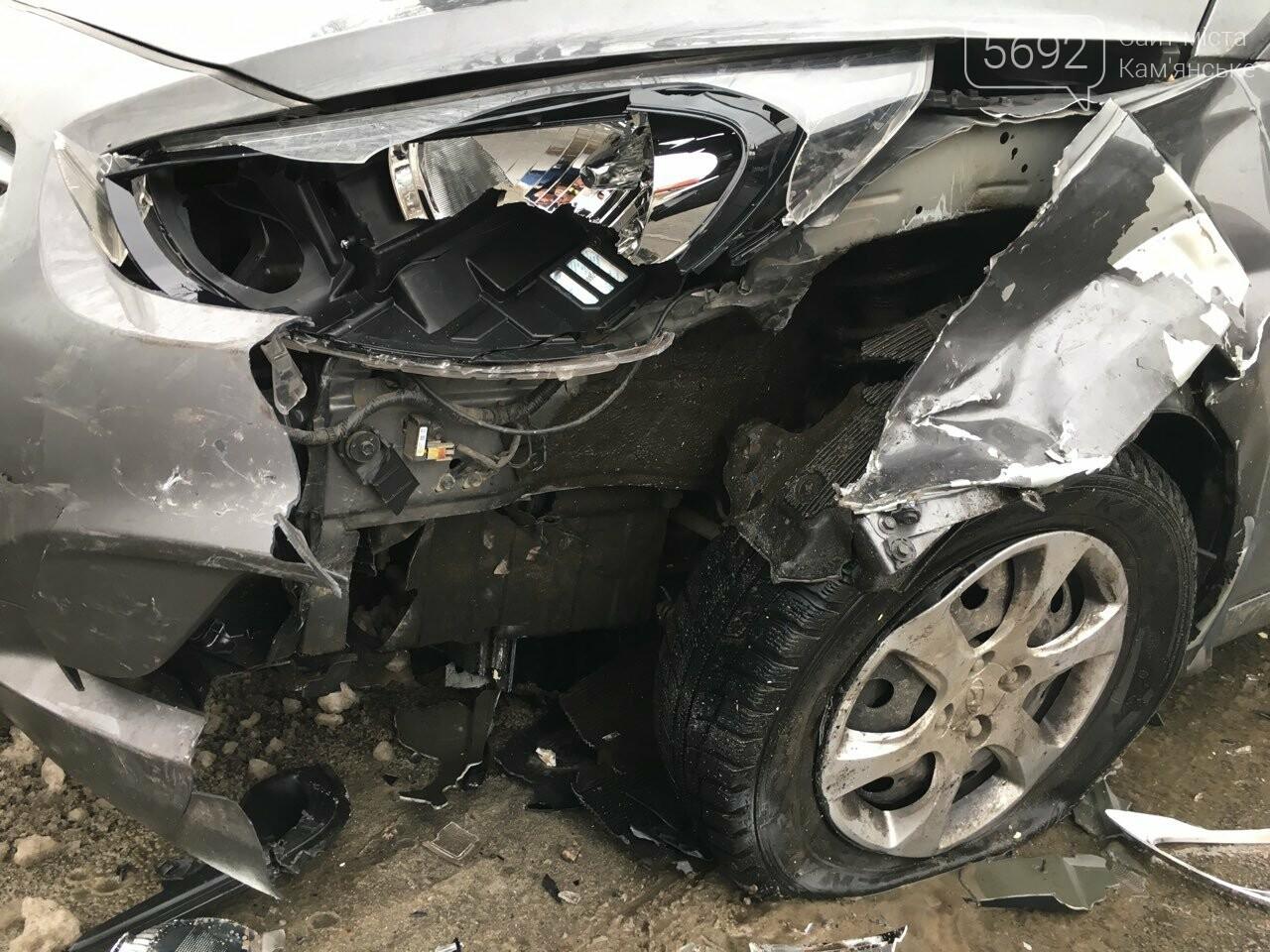 Очередное ДТП на аварийном перекрестке в Каменском, фото-2