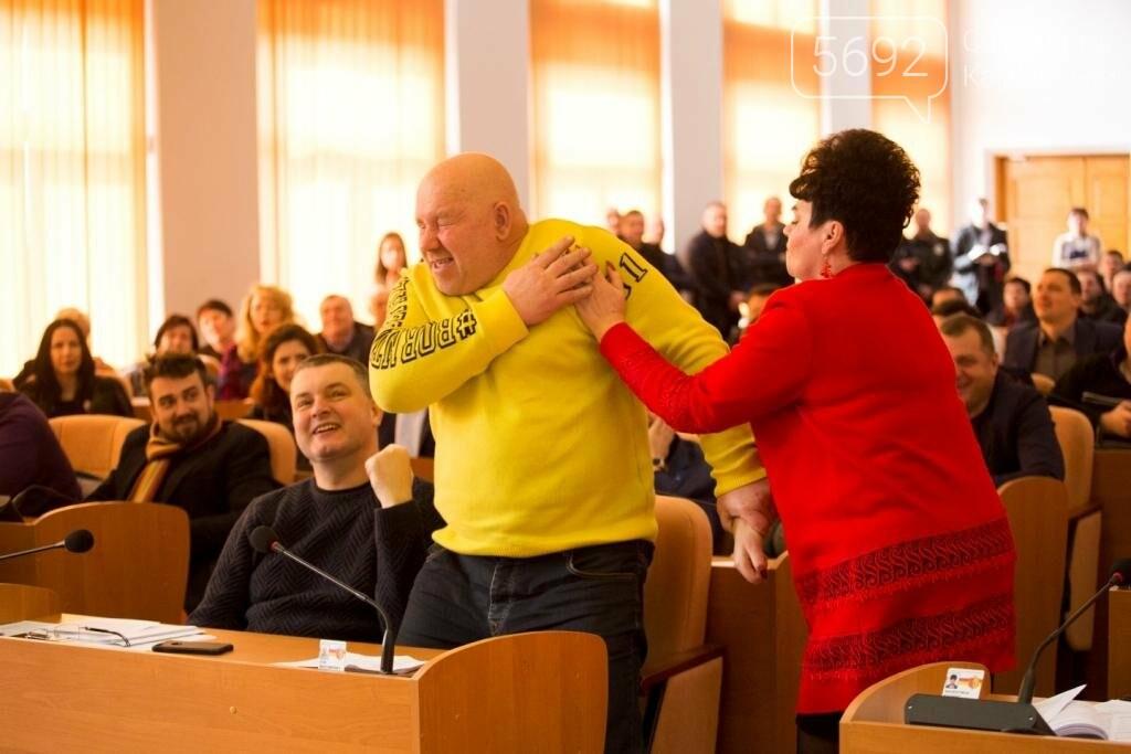 Нашла коса на камень: в Каменском горсовете подрались депутаты, фото-3