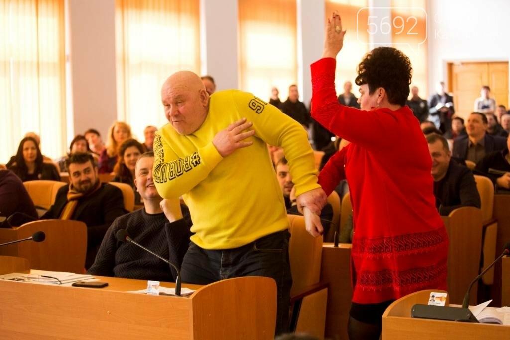 Нашла коса на камень: в Каменском горсовете подрались депутаты, фото-4