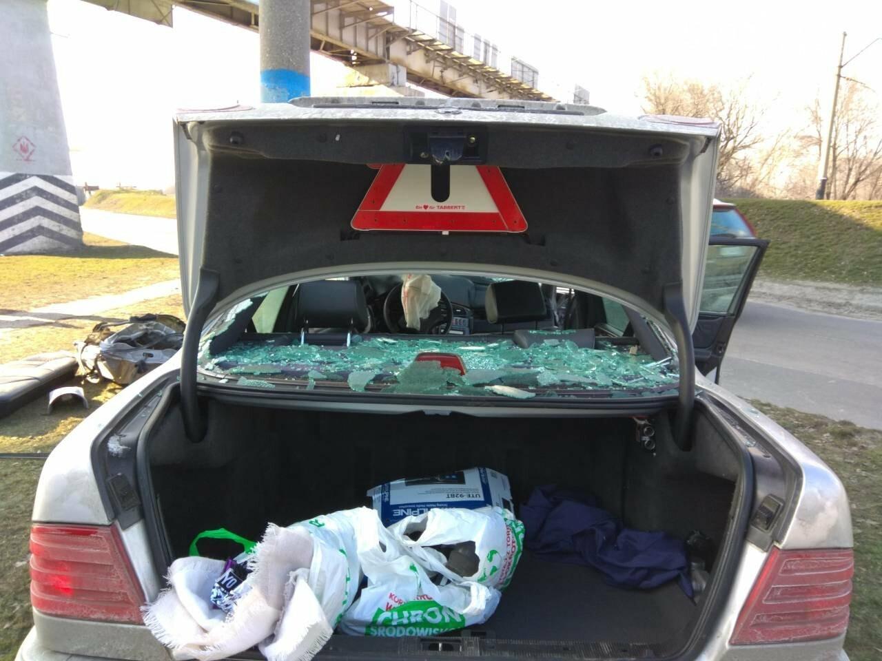 В Каменском автомобиль из Польши врезался в столб, фото-6