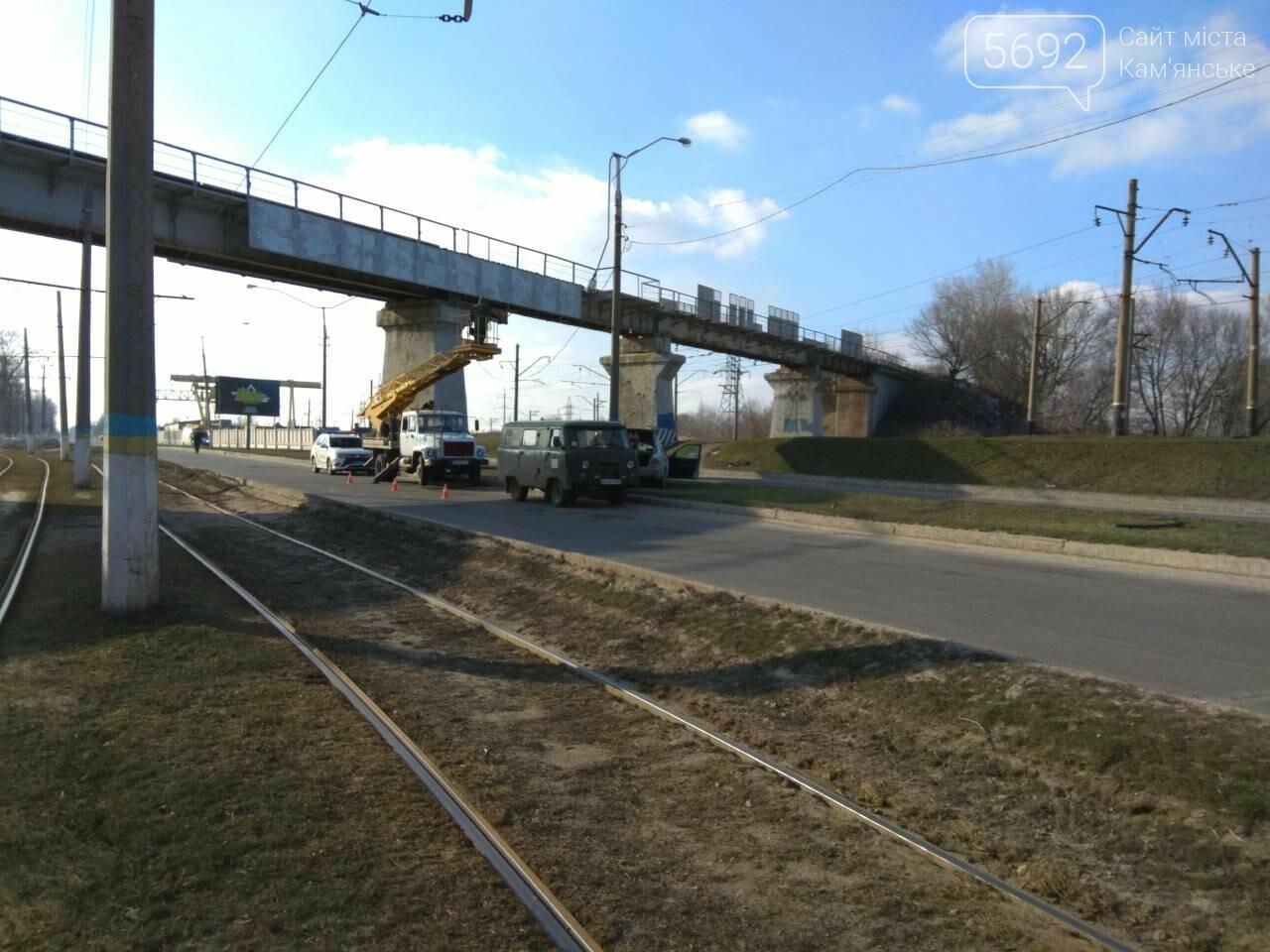 В Каменском автомобиль из Польши врезался в столб, фото-11