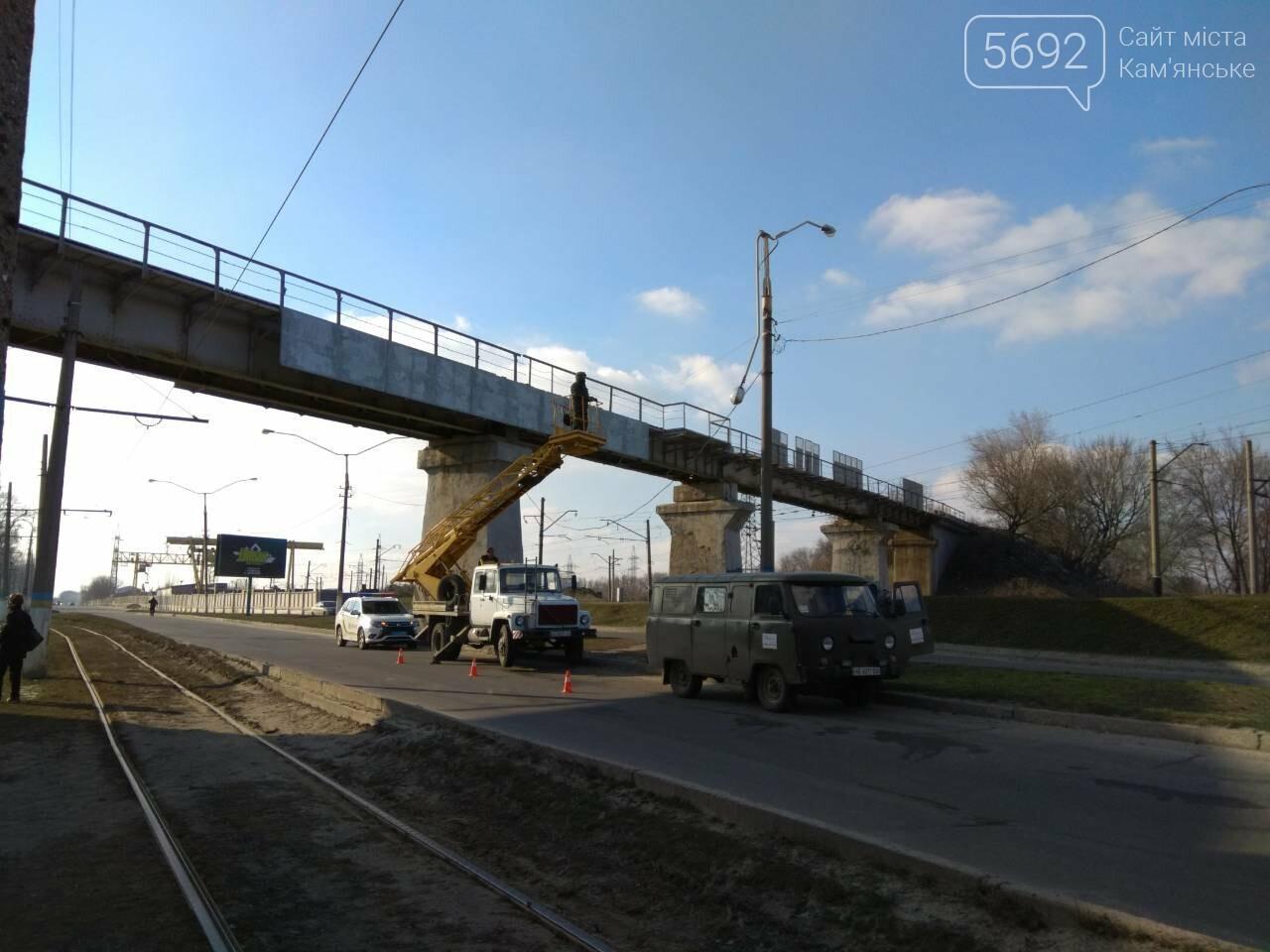 В Каменском автомобиль из Польши врезался в столб, фото-3