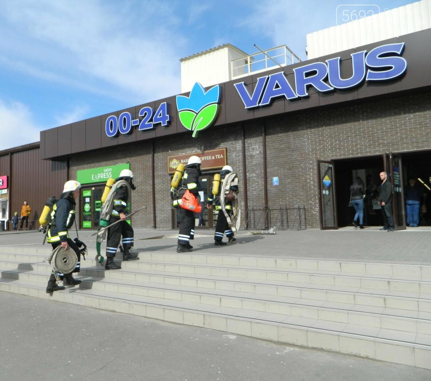 В ТРЦ TERRA спасатели ликвидировали условный пожар, фото-5