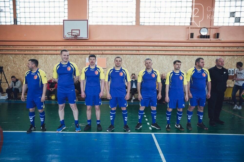 Депутаты Каменского играли в футбол и волейбол, фото-2