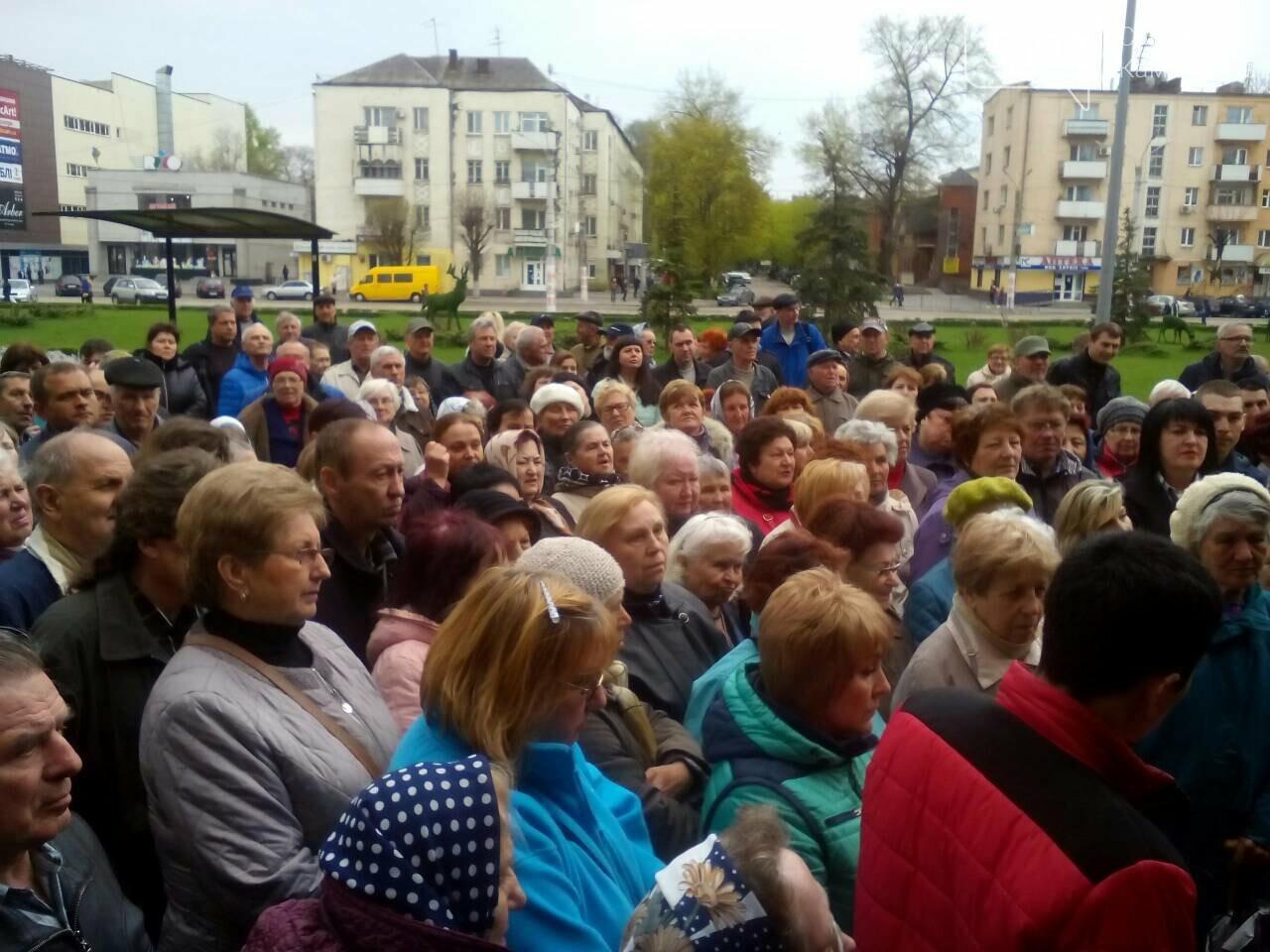 «Тарифный бунт» начался: в Каменском стартовал митинг против повышения тарифов УКОЖФ, фото-7