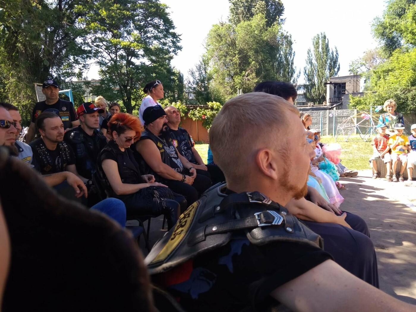 Байкеры Каменского прокатили на мотоциклах детей-сирот, фото-19