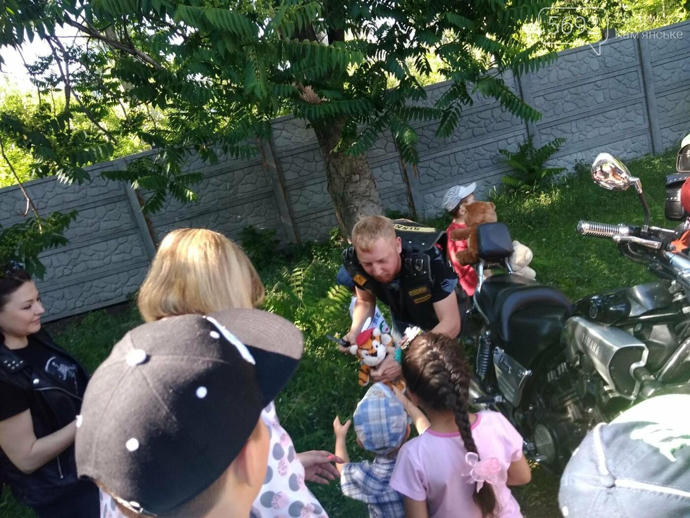 Байкеры Каменского прокатили на мотоциклах детей-сирот, фото-10