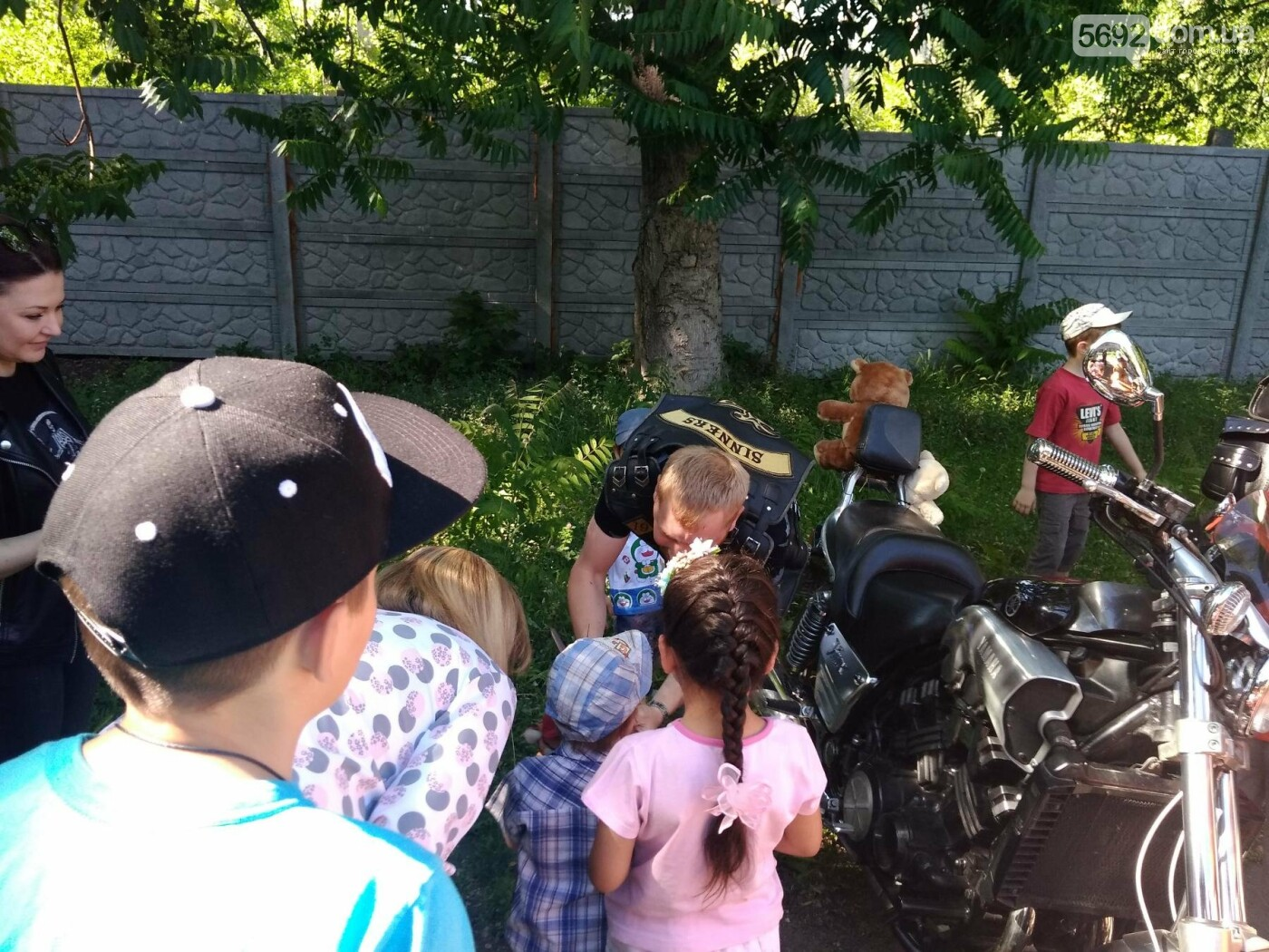 Байкеры Каменского прокатили на мотоциклах детей-сирот, фото-17