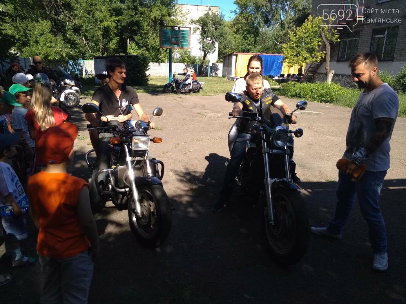 Байкеры Каменского прокатили на мотоциклах детей-сирот, фото-13
