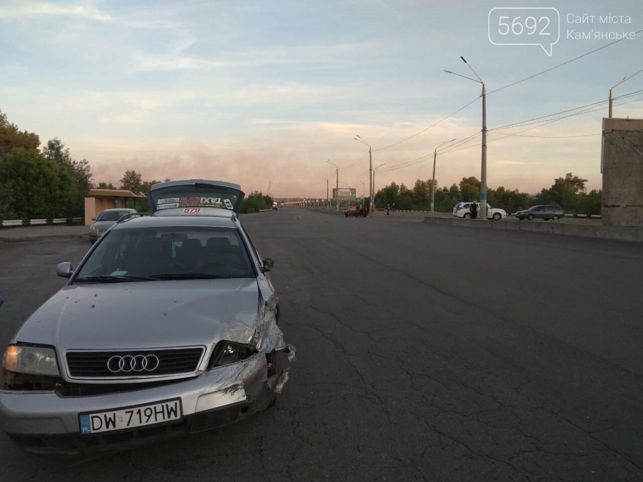 В Каменском столкнулись Ауди и ВАЗ, фото-3