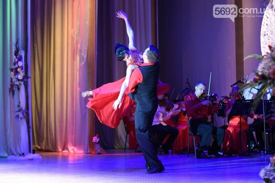 В театре Каменского чествовали медиков: документальный фильм, поздравления и выставка, фото-9