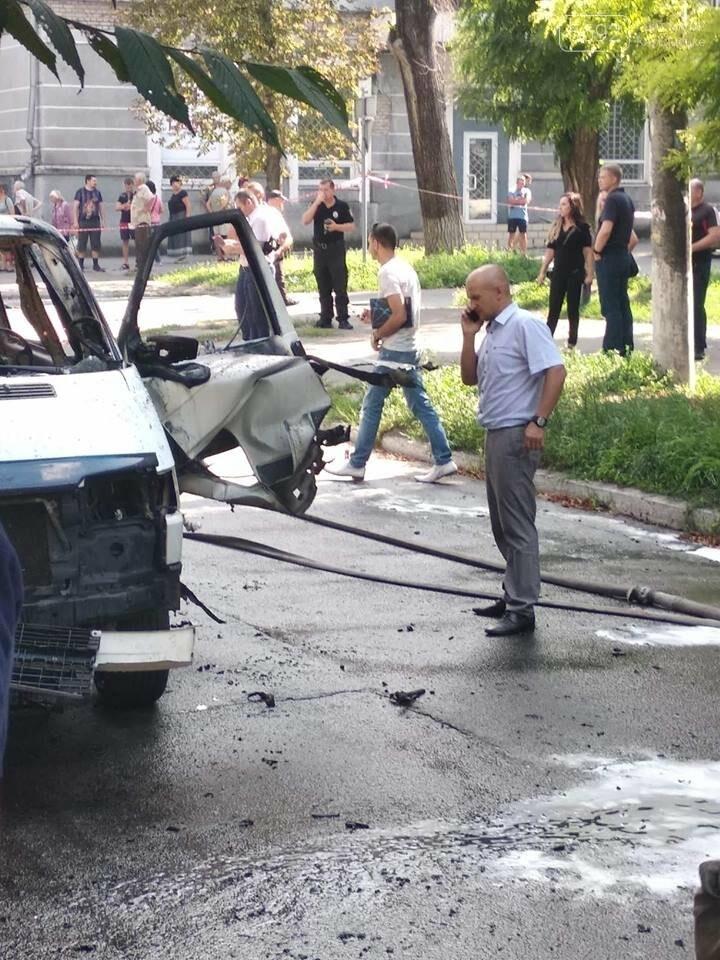 В Каменском ЧП: взорвался автомобиль с депутатом горсовета, фото-4