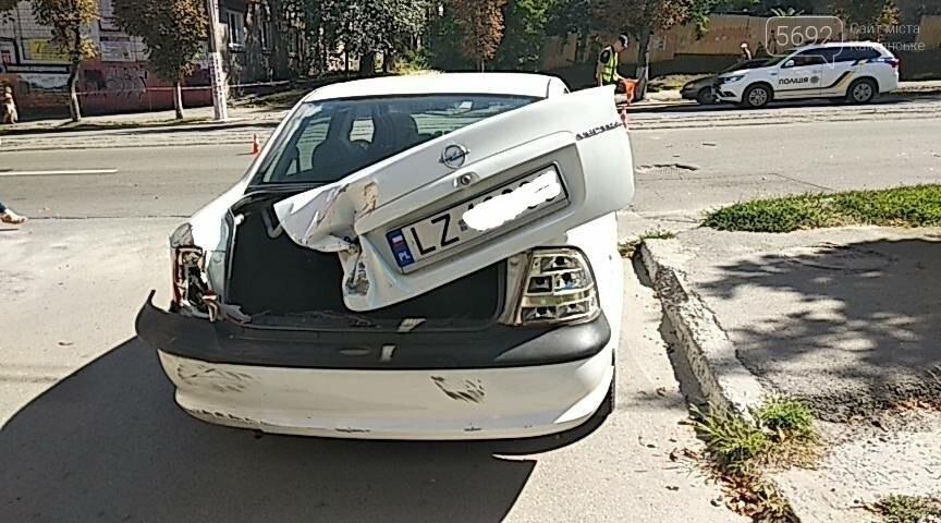 Не пропустил: в Каменском мотоциклист врезался в Opel с польскими номерами, фото-10