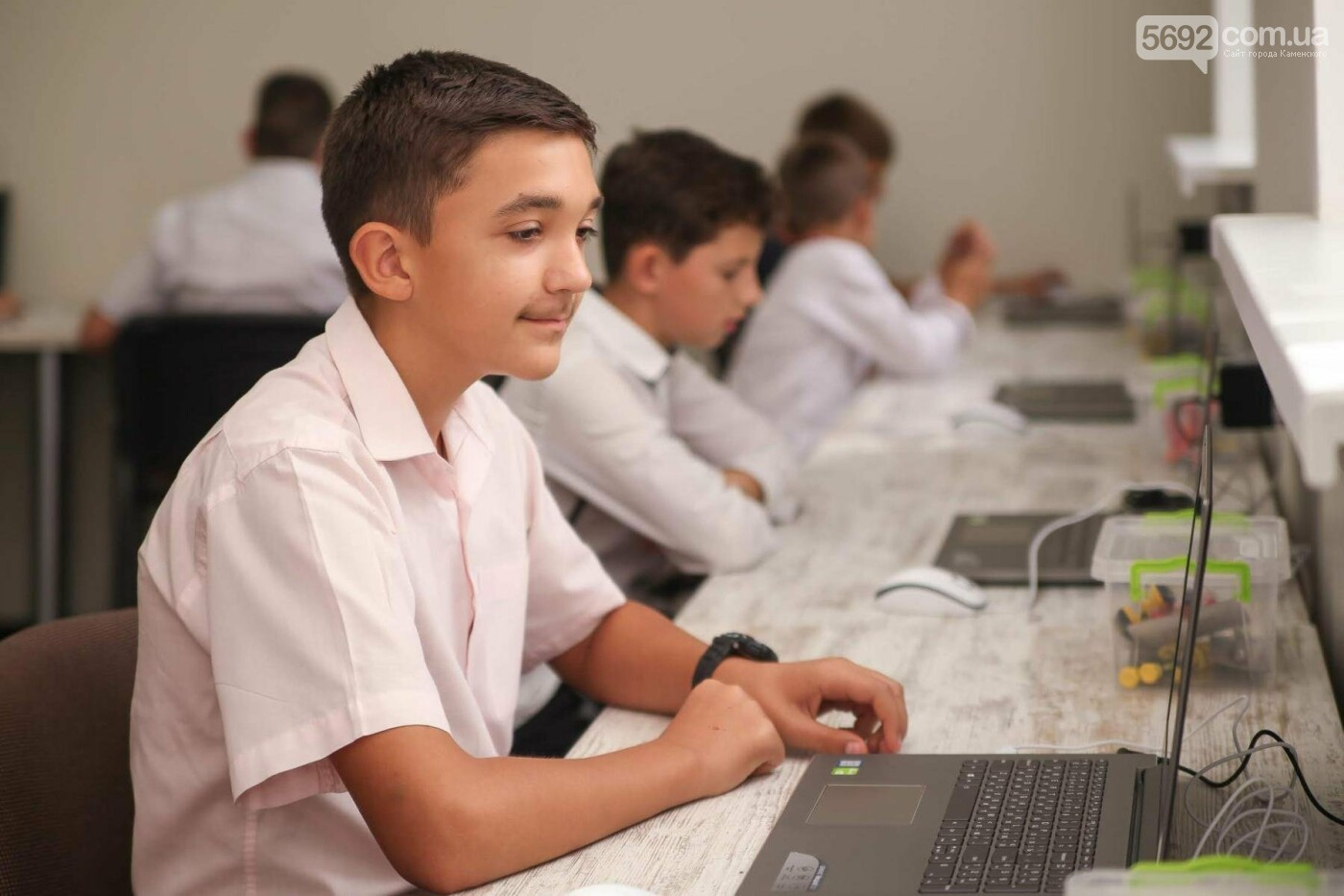 В Каменском открыли бесплатную Школу Робототехники, фото-1