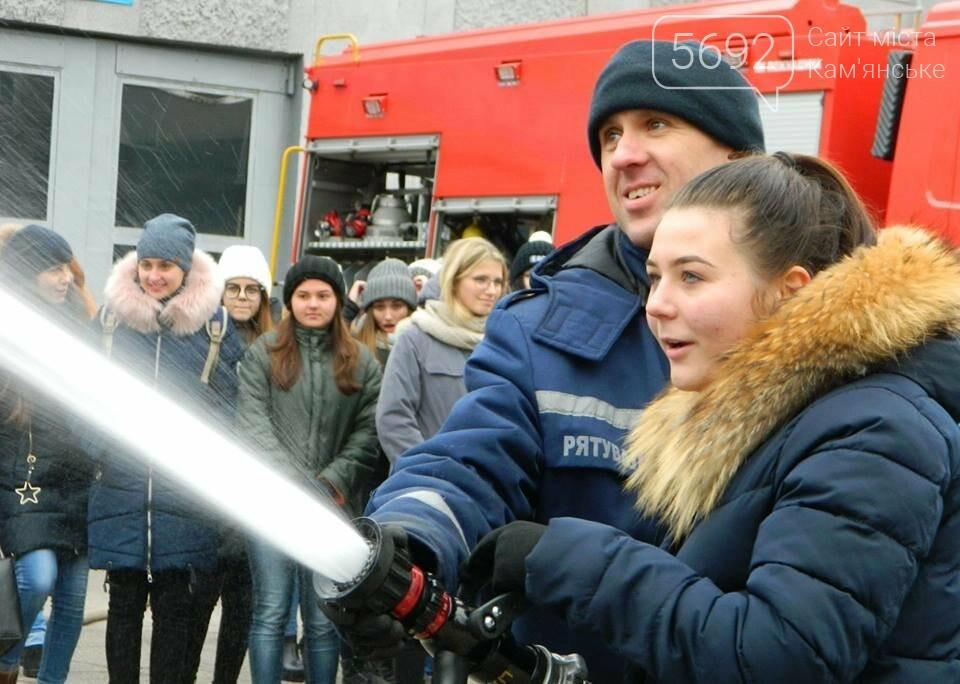 Каменские спасатели провели познавательно-профилактическое мероприятие лицеистов, фото-4