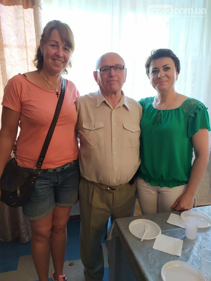 Директора каменской ДЮСШ №1 наградили за заслуги перед городом, фото-4