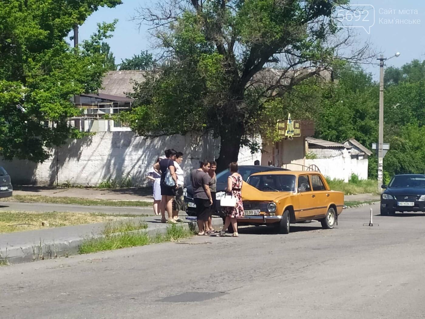 Не уступил дорогу: в Каменском на Аношкина случилось ДТП , фото-1