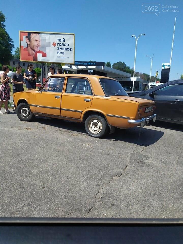 Не уступил дорогу: в Каменском на Аношкина случилось ДТП , фото-3