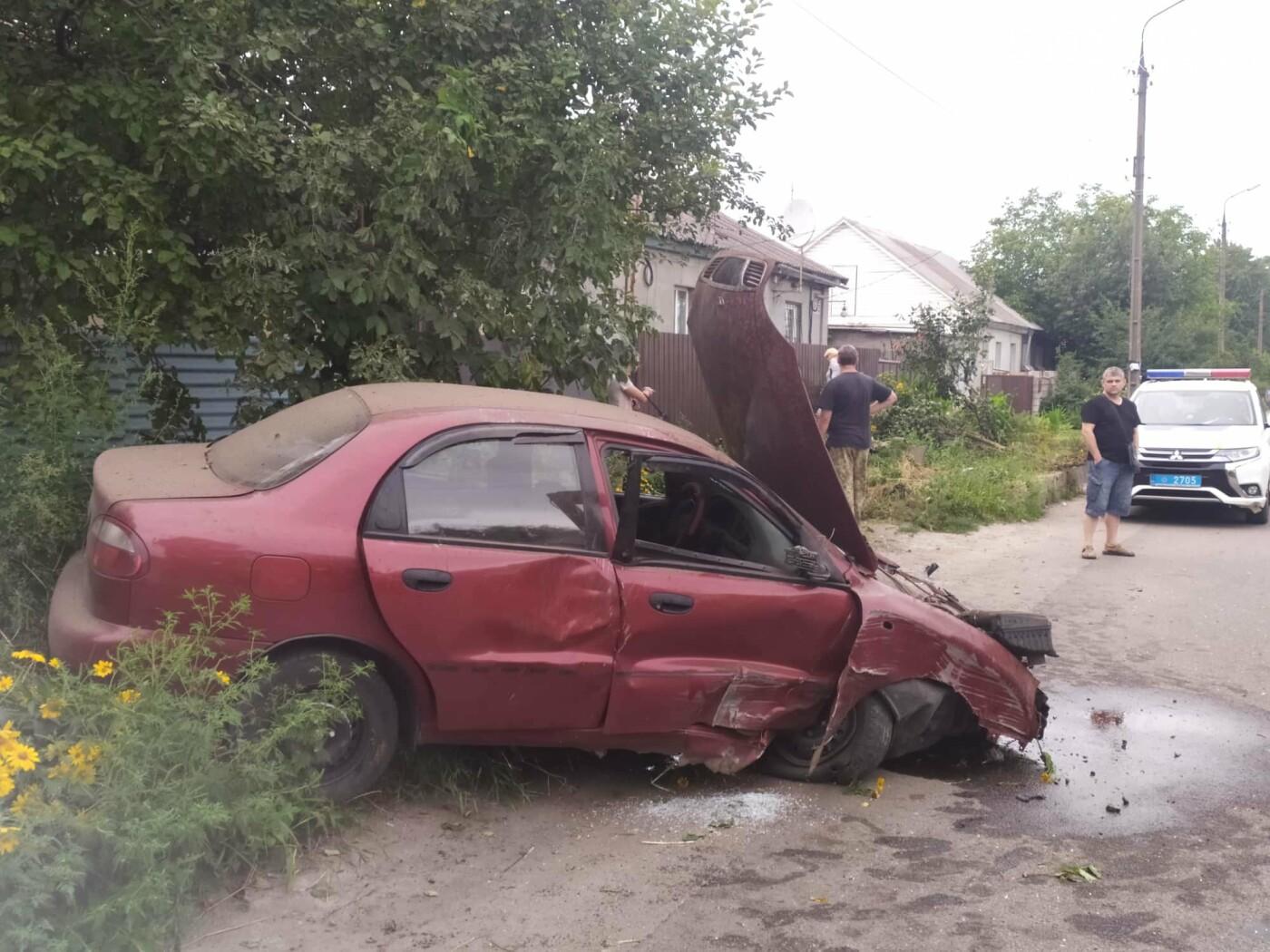 В Каменском на Клары Цеткин произошло серьезное ДТП, фото-1