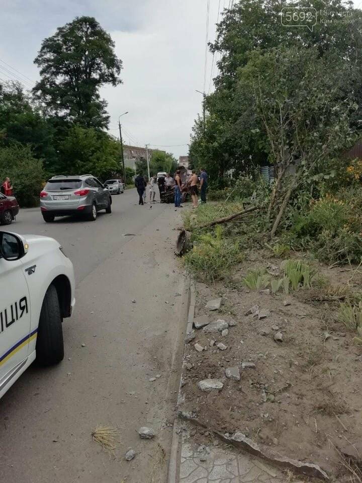 В Каменском на Клары Цеткин произошло серьезное ДТП, фото-3