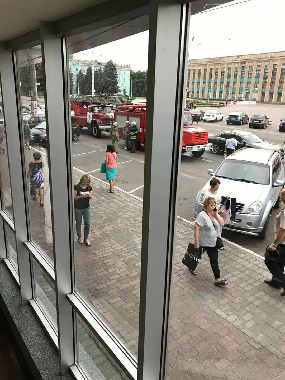 В Каменском заминировали ЦУМ: информацию проверяют полицейские, фото-2