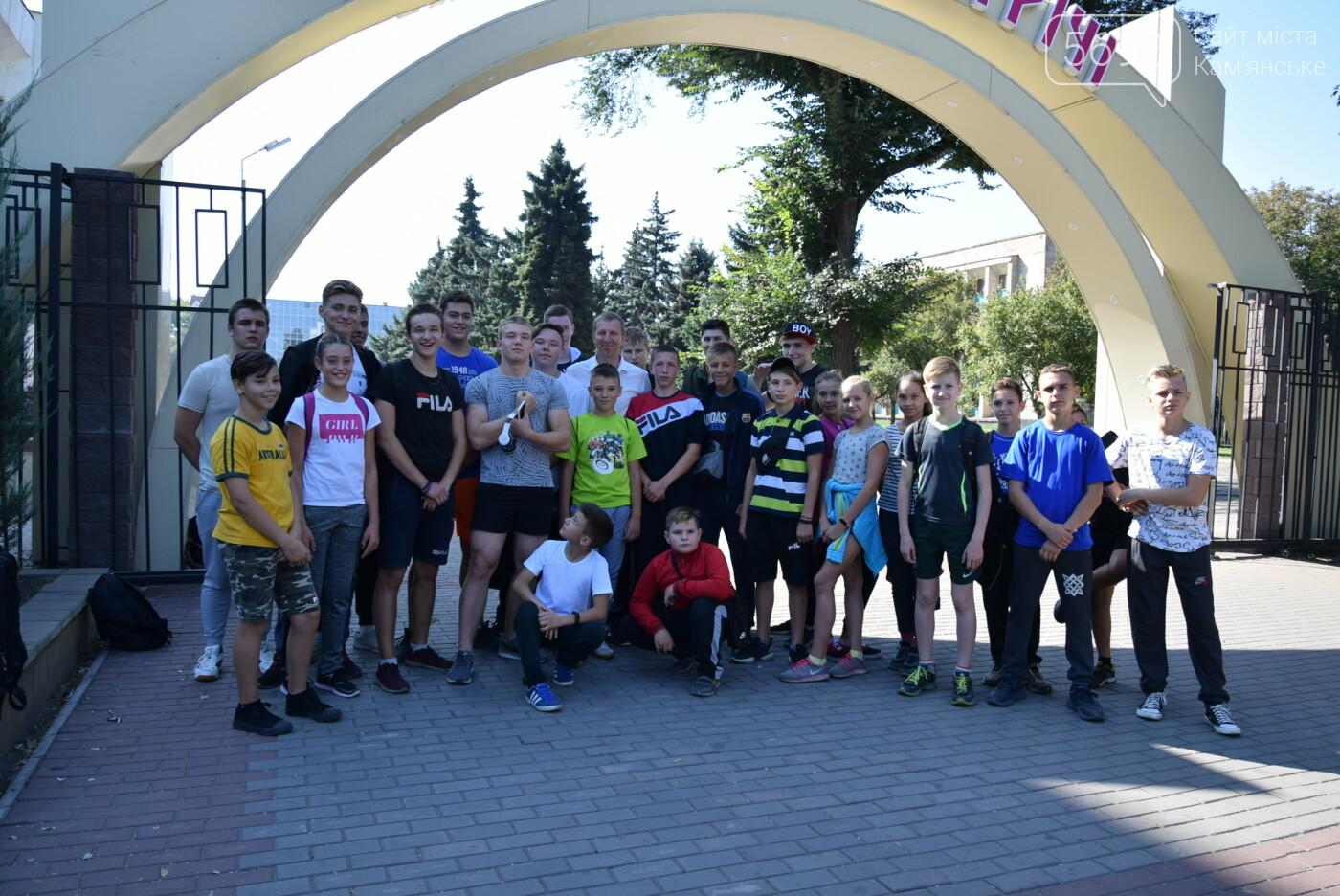 Ко Дню физкультуры и спорта: в Центральном парке Каменского соревновались школьники, фото-9