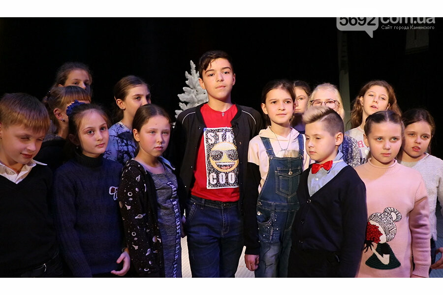 Странную историю волшебной страны показали в театре Каменского, фото-1