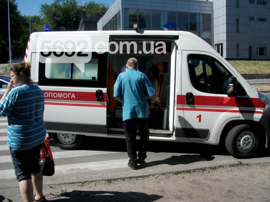 В Каменском на проспекте Аношкина произошло ДТП, пострадал водитель, фото-1