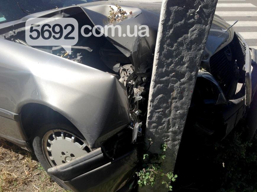 В Каменском на проспекте Аношкина произошло ДТП, пострадал водитель, фото-5