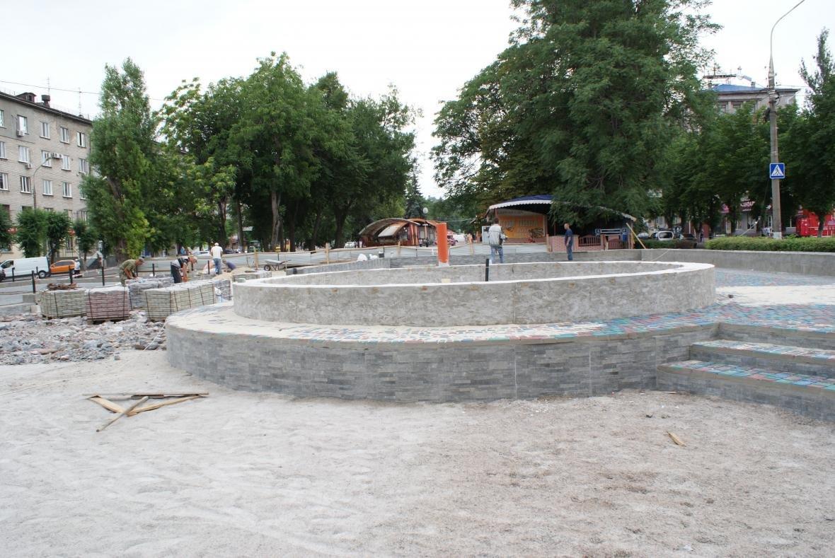 В Каменском достраивают светомузыкальный фонтан  , фото-3