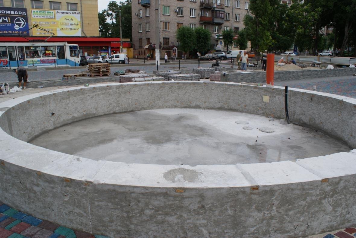 В Каменском достраивают светомузыкальный фонтан  , фото-1