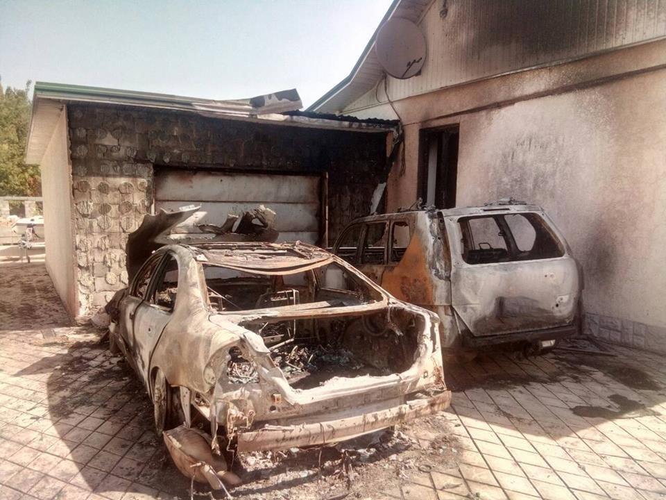 В Каменском сожгли две иномарки, фото-3