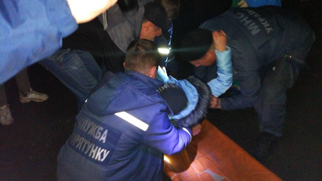 В Каменском девушка упала в открытый люк, фото-3