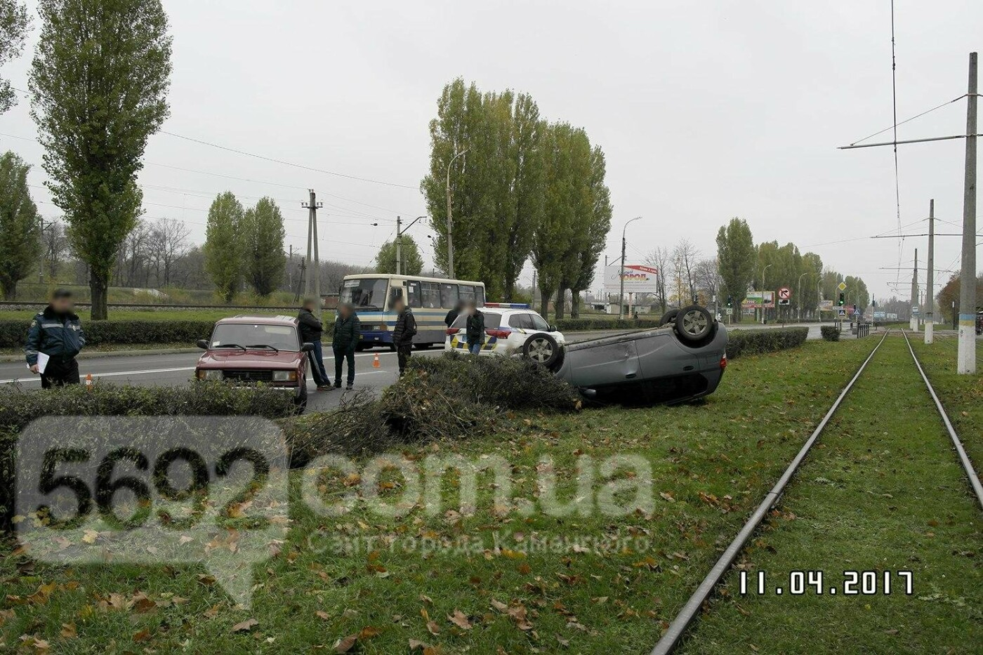 ДТП в Каменском: на Юбилейном перевернулся Chevrolet, фото-5