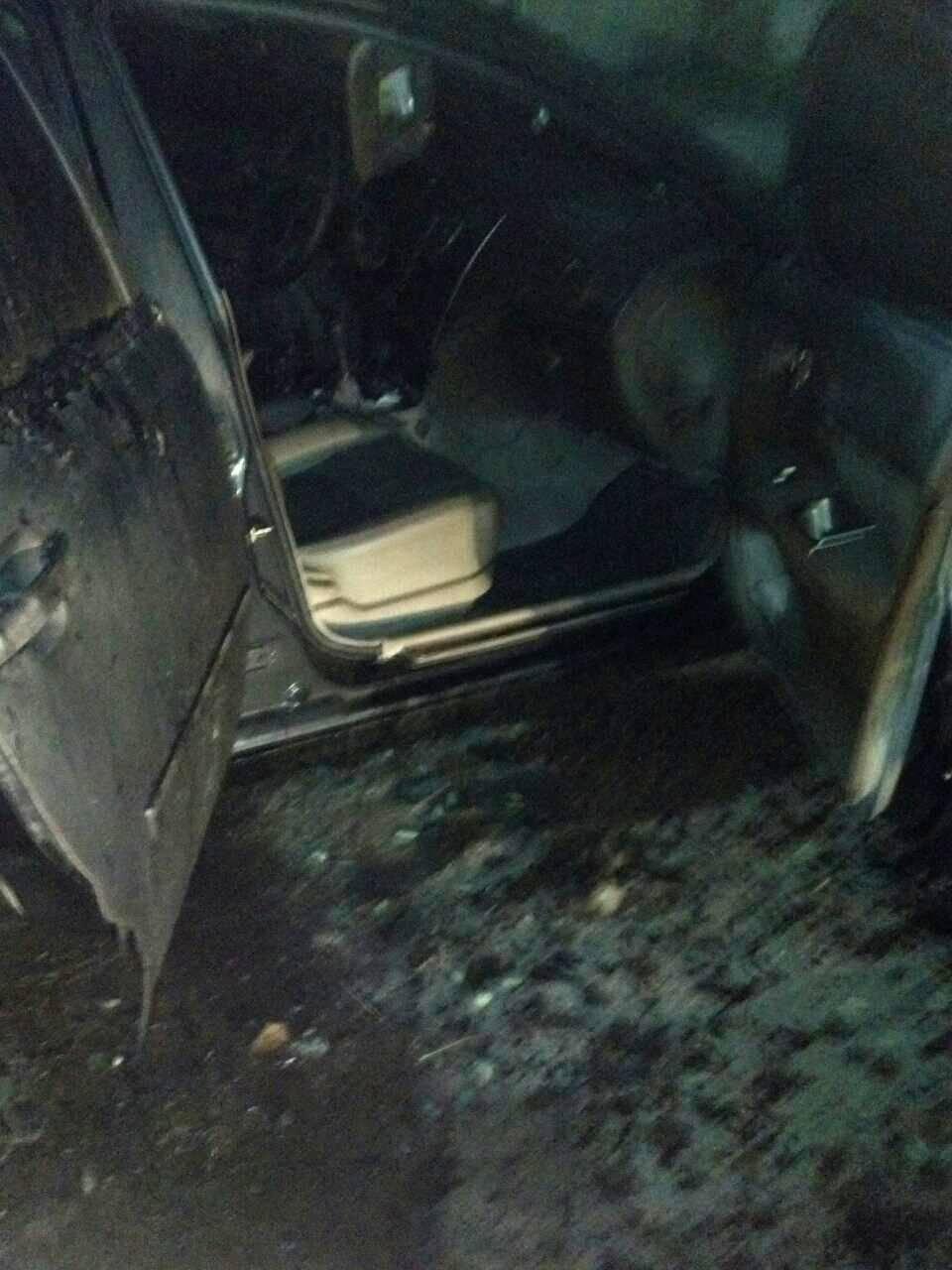 В Каменском горел автомобиль, фото-3