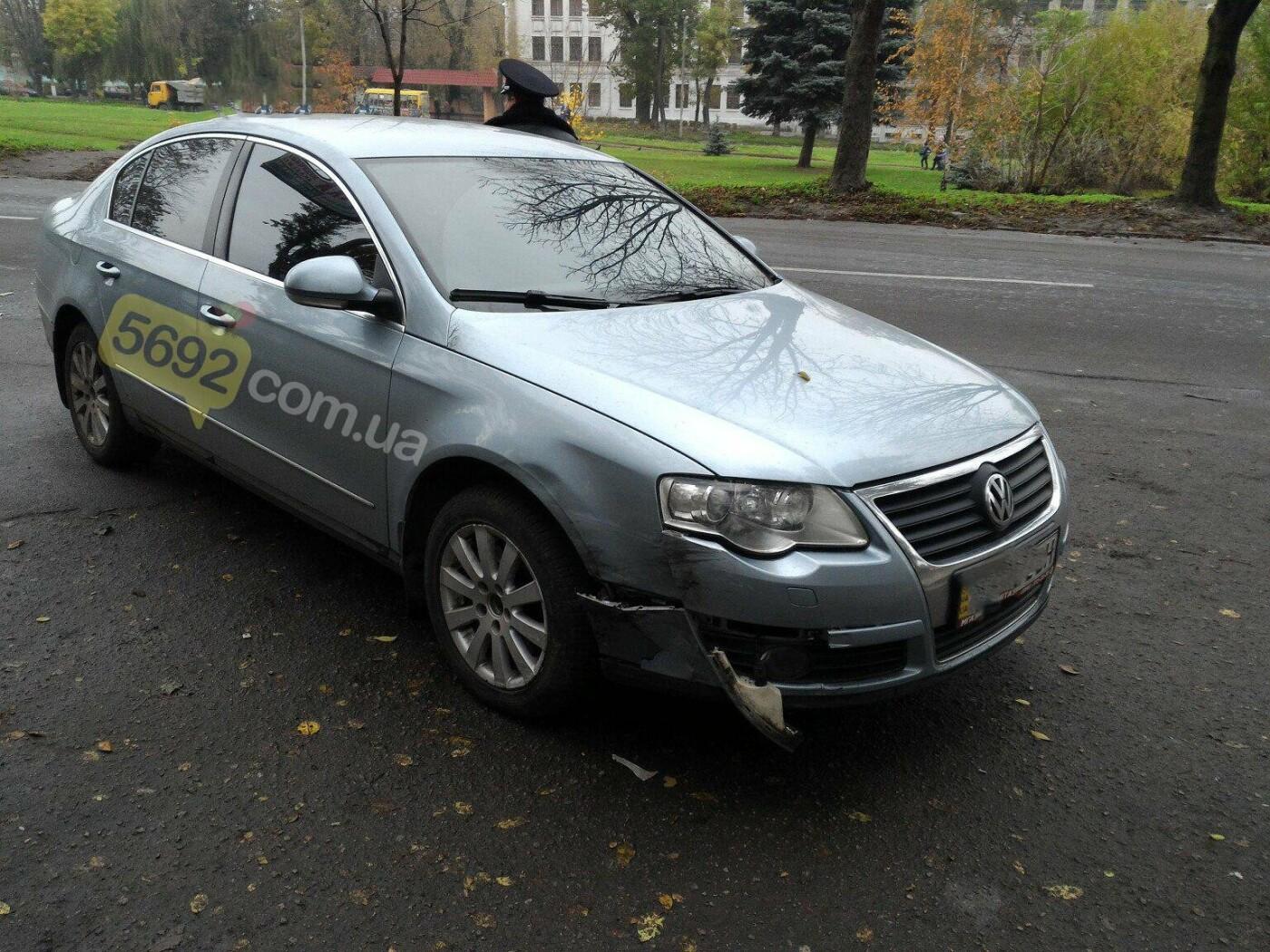 ДТП в Каменском: Ford Transit врезался в дерево, фото-3