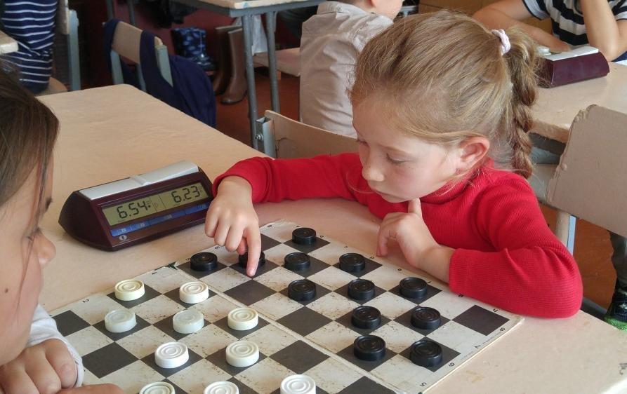Маленькие каменчане соревновались за звание чемпиона города по шашкам, фото-2